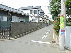 前面道路(北西側)