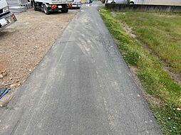 南側道路に接道した陽射しに包まれた立地です。