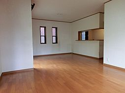 南野田 中古一戸建 4SLDKの居間