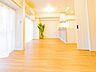 リビングに隣接する居室。ワイドサッシなのでたくさんのあたたかな日の光が取り入れられます。,3DK,面積52.77m2,価格4,280万円,京王線 調布駅 徒歩2分,,東京都調布市布田4丁目