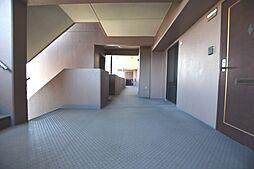 ゆったりとした共用廊下