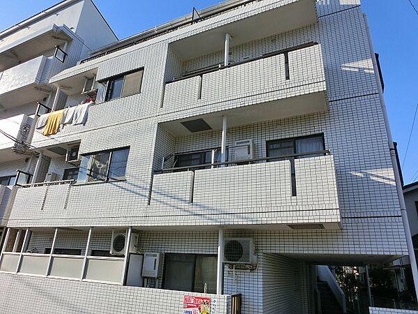 ピュアパレス横浜[401号室]の外観