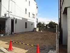 阪急武庫之荘駅バス8分。建築条件無しの土地です。
