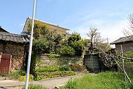 家庭菜園にも最適なお庭のあるお家です。