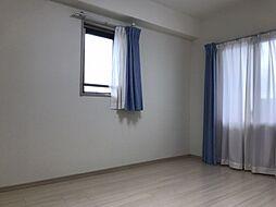子供部屋としても・寝室としても利用可能な洋室です。