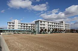 中学校姫路市立朝日中学校まで818m