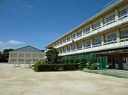 小坂井西小学校 徒歩 約9分(約700m)
