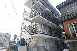 北海道札幌市東区北四十条東16の賃貸マンションの外観