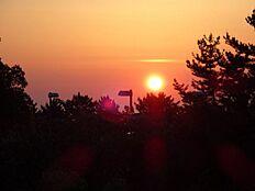 お部屋からは美しい夕日を眺める事が出来ます。