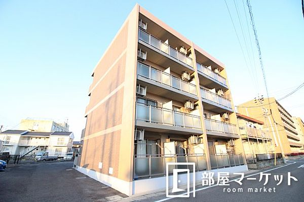 愛知県豊田市陣中町1丁目の賃貸マンションの外観