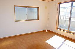 2階 洋室8帖