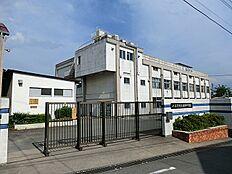 由井中学校 282m