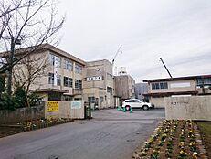 中学校水戸市立見川中学校まで1340m