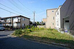 住環境に配慮された第一種低層住居専用地域です。