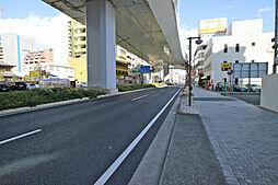 敷地北側の前面道路