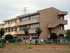 牛久市立中根小学校(1271m)