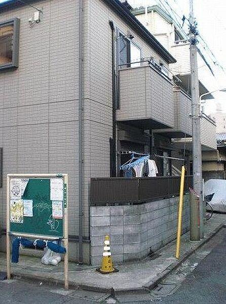 東京都渋谷区幡ヶ谷2丁目の賃貸アパートの外観
