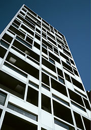 東京都豊島区南大塚3丁目の賃貸マンションの外観