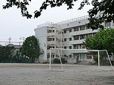 東久留米市立中央中学校 857m