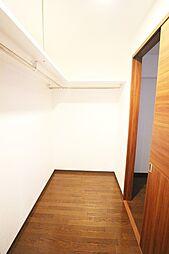 北側洋室7.6帖に隣接するWIC。