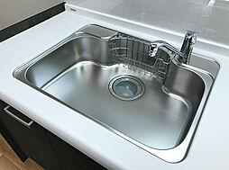 洗い場の広いキッチンシンク。