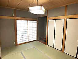「和室」畳は表替え済みです。