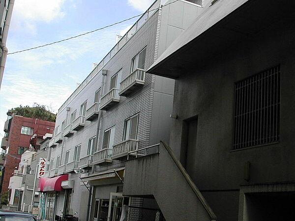 グレイスクボ[2階]の外観