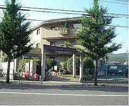 京都府京都市右京区嵯峨広沢御所ノ内町の賃貸マンションの外観