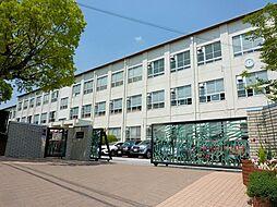 名古屋市立御幸山中学校まで640m