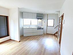新喜多東2丁目 中古一戸建 3LDKの居間