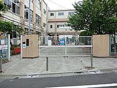 大田区立梅田小学校まで750m