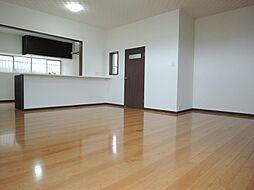 福岡市早良区飯倉5丁目一戸建 5SLDKの居間