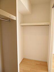 洋室1(約80.帖)たっぷり収納できるウォークインクローゼット