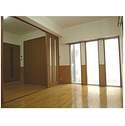 グランテージ感彩の明るい洋室です