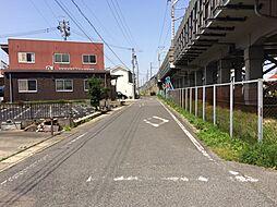 前面道路を含む現地写真です