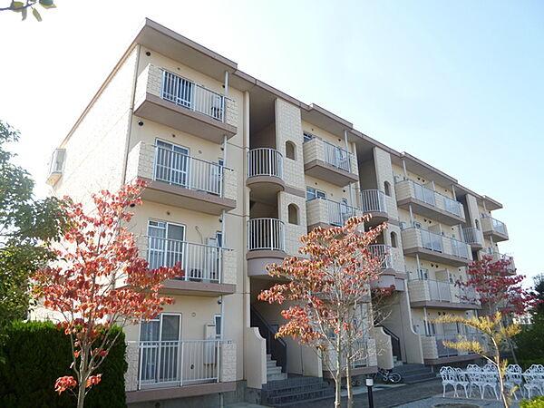 滋賀県湖南市菩提寺北4丁目の賃貸マンションの外観
