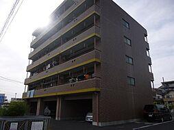 ファミーユ日新[4階]の外観