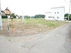 JR水郡線「後台」駅徒歩圏内です。北西側前面道路は約7mとゆったりしてます。