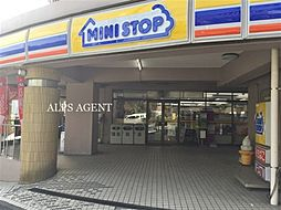 神奈川県横浜市磯子区森6丁目の賃貸アパートの外観