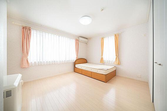 2階 洋室(3...