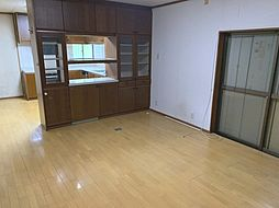富田林市梅の里4丁目 中古戸建 6SLDKの居間