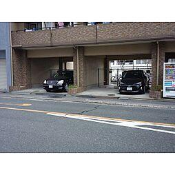 メゾンドセティエーヌの1F駐車場