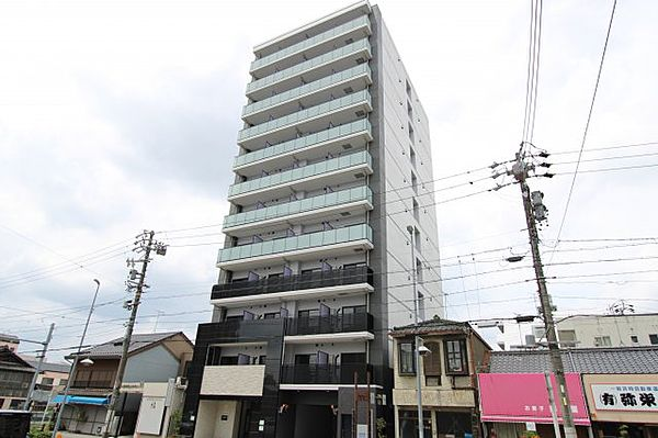 愛知県名古屋市北区御成通3丁目の賃貸マンションの外観