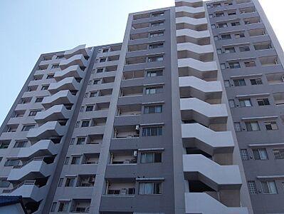 閑静な住宅街に堂々と佇むマンションです。,3LDK,面積93.43m2,価格1,250万円,名鉄河和線 知多半田駅 徒歩7分,JR武豊線 半田駅 徒歩8分,愛知県半田市中町3丁目
