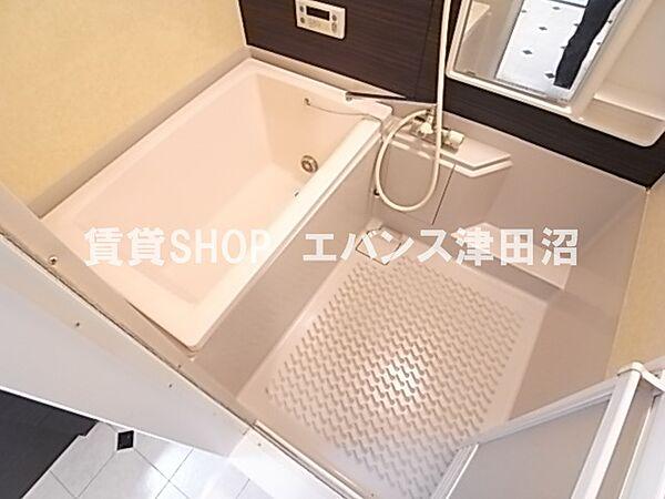 千葉県船橋市前原西6丁目の賃貸マンションのお風呂です