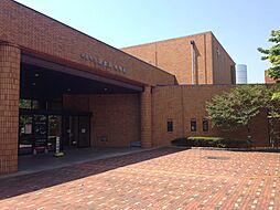 半田市図書館 徒歩 約10分(約800m)
