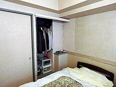 CLスペースにはオーナーがリフォームされて洋服などを収納しており使いやすい作りです。