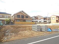 閑静な住宅街建築条件無し売地 全3区画お好きなハウスメーカーで建築可能請負もいたします