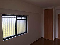 角部屋出窓付き