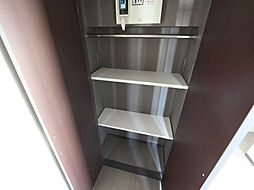 フラット矢田南の玄関 シューズボックス付(収納充実してます)